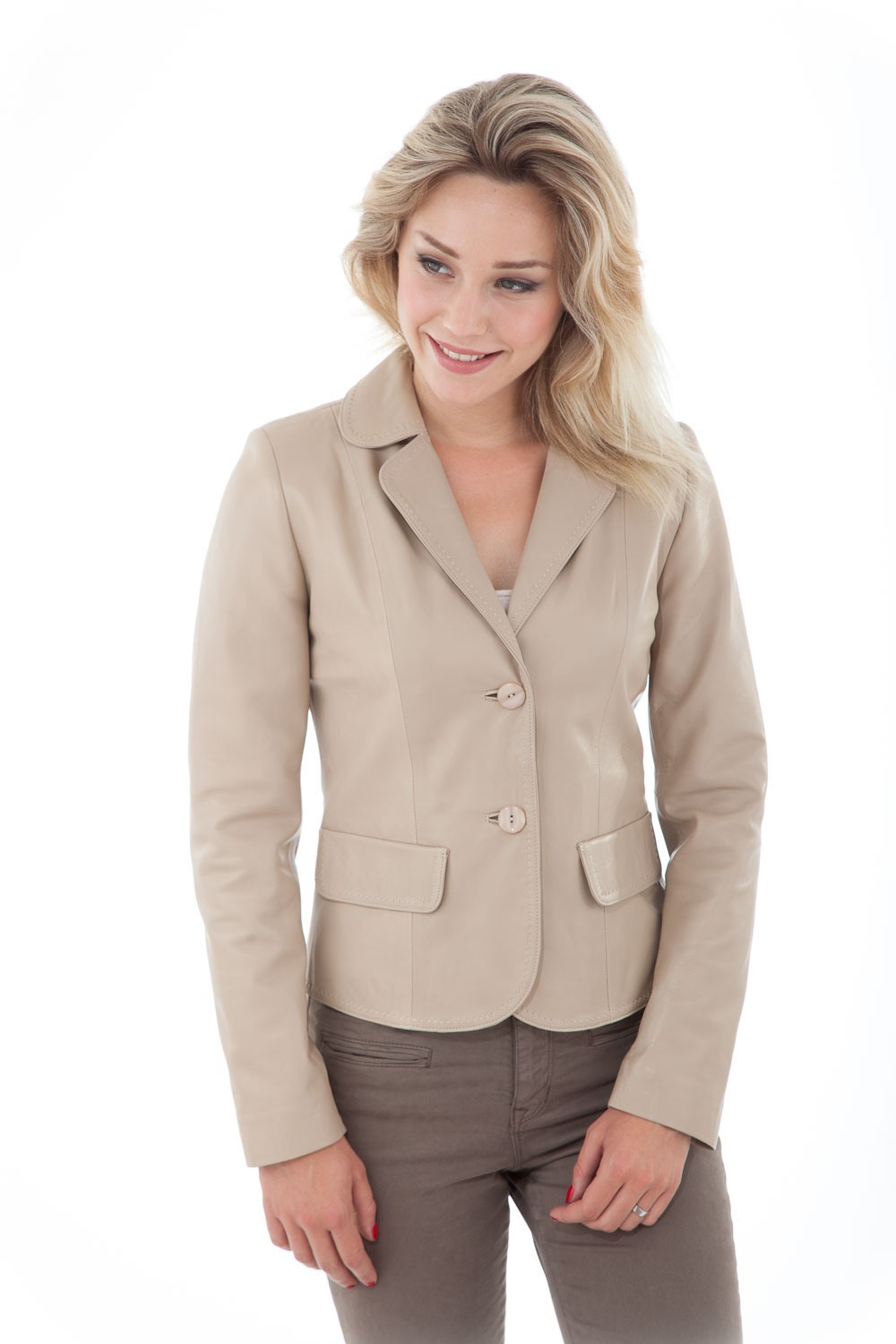 veste blazer courte en cuir d 39 agneau beige cesare nori camelia cesare nori depuis 1955. Black Bedroom Furniture Sets. Home Design Ideas